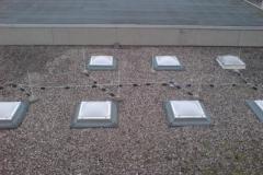 Flachdach mit Lichtkuppeln